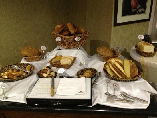 Anemon Izmir Hotel:                                     Breakfast