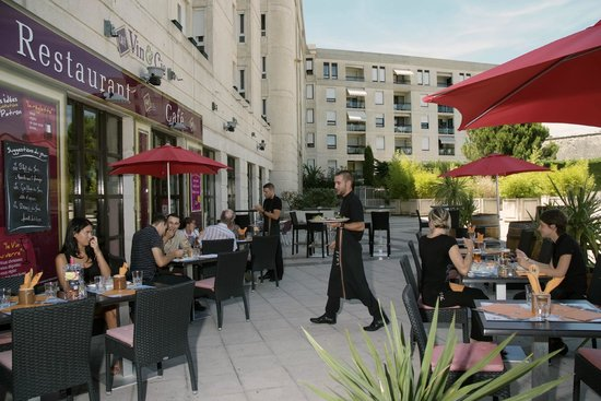 Ibis Montpellier Centre : terrasse café vin & cie