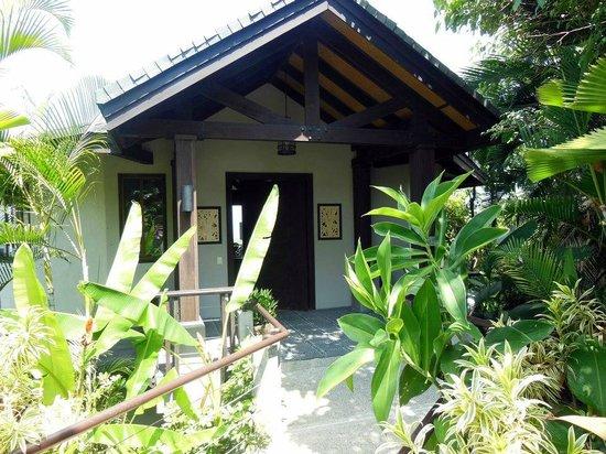 Tulemar Resort:                                     Villa 401