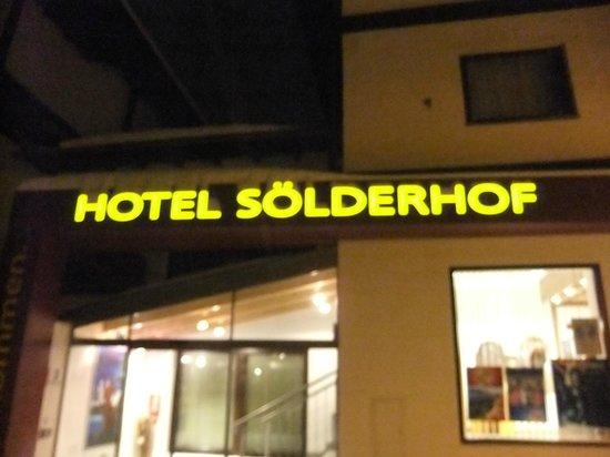 Hotel Sölderhof:                   Main entrance of the hotel