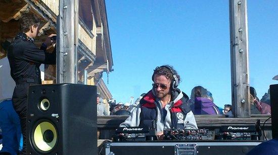 Kristallhuette:                   DJ Hoody
