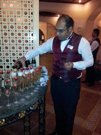 Domina Coral Bay Prestige Hotel:                                                       Plaisir restuarant Valentine's evening. Ge