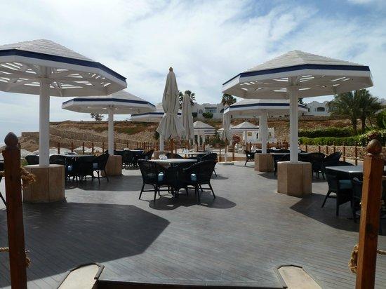 Domina Coral Bay Prestige Hotel:                                                       Prestige private beach dining area
