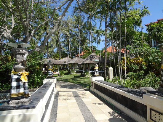 The Laguna, a Luxury Collection Resort & Spa:                   Landscape