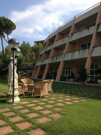 Hotel Restaurante Sa Punta: Hotel grounds