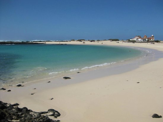 Hotel Cotillo Beach :                   Plage de Lagos à El Cotillo, Fuerteventura (Février 2013)
