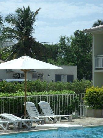 Hotel Le Recif:                   Chaises longues et parasols