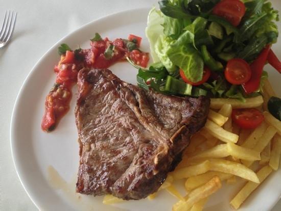 Amore Mio Restaurant:                   T-bone steak