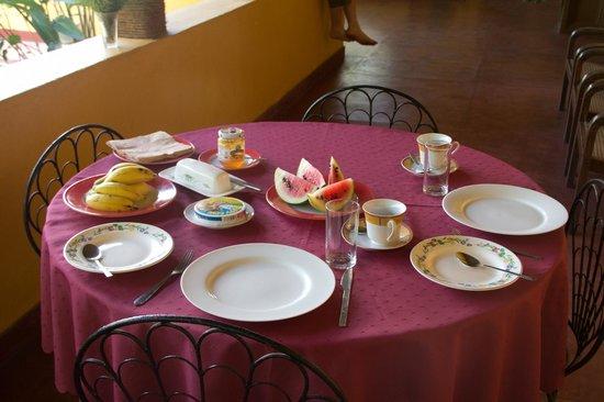Sunnyside Holiday Bungalow:                   Ontbijt februari 2012