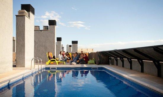 Residencia Onix : Piscina / solarium