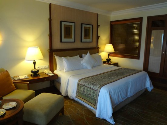 The Laguna, a Luxury Collection Resort & Spa:                   Comfortable Room