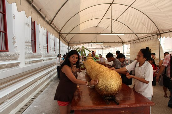 Temple of the Great Relic (Wat Mahathat) :                                     Wat Mahathat_Dev_Shona