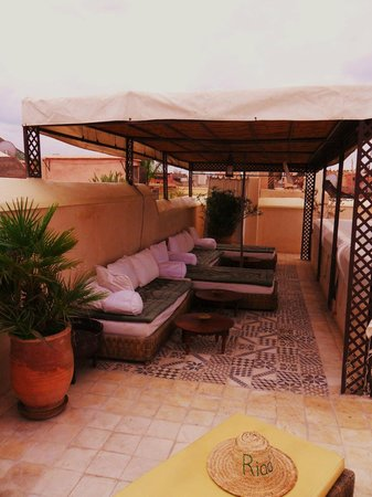Riad Vert Marrakech:                   Roof terrace seating area