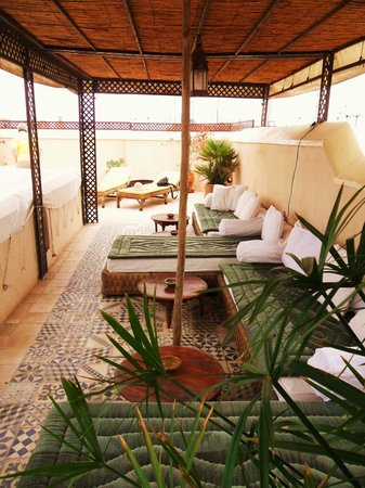 Riad Vert Marrakech:                   Beautiful seating area on the roof terrace
