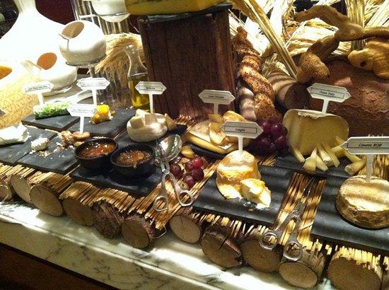 โรงแรมโซฟิเทล กรุงเทพ สุขุมวิท:                   Cheese Room