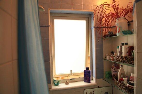 Latomare: dettaglio vano doccia