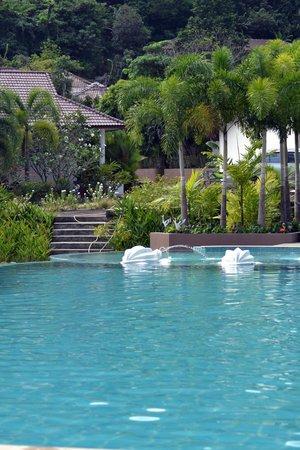 PS Hill Resort:                   vue vers la piscine depuis notre chambre la 305