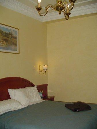 Hotel Contilia:                   habitacion