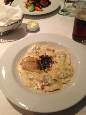 Four Points by Sheraton Quebec Resort:                                     Ravioli with bacon cream sauce