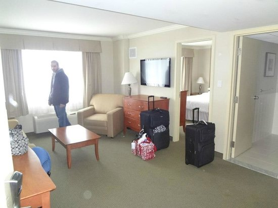 Four Points by Sheraton Quebec Resort:                                     Corner, one bedroom room