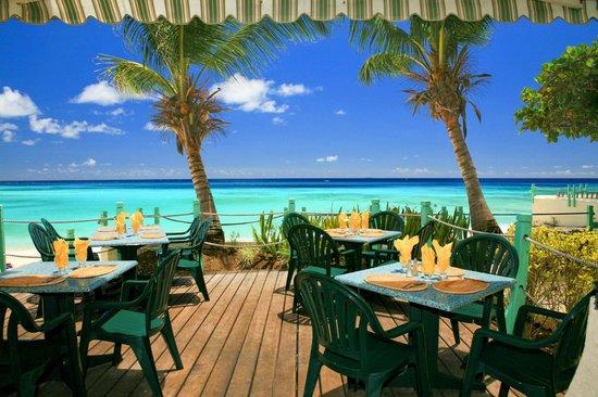Coral Mist Beach Hotel: Restaurant