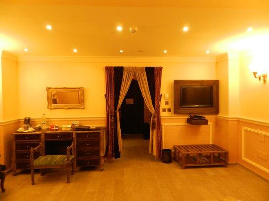 Assaha Hotel:                   Italian style 2/2