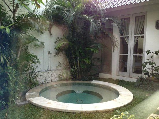 Artemis Villa and Hotel:                   Jacuzzi in your own private villa courtyard
