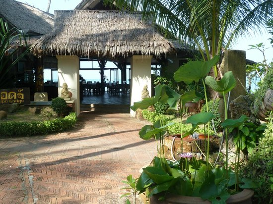Lipa Lodge Beach Resort:                   The welcoming Hall