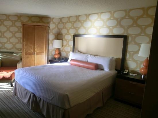 SeaCrest OceanFront Hotel:                   Rummet