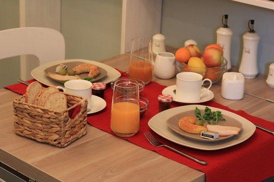 Bed & Breakfast Studio Kairos: dinning room