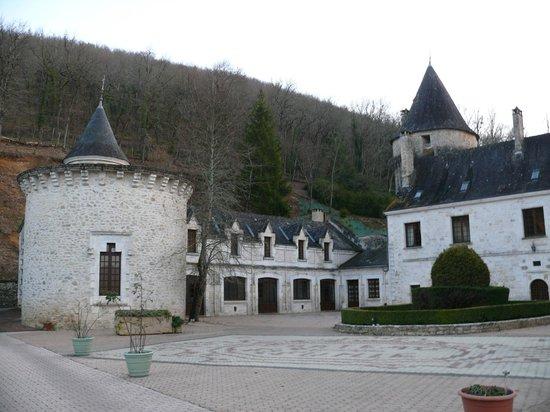 Chateau de la Fleunie:                   Château