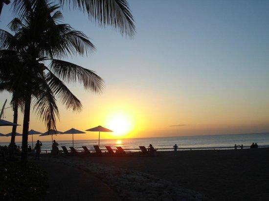 Bali Dynasty Resort:                   tramonti da sogno