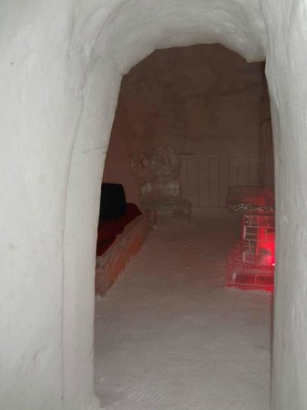 Hotel de Glace: walking into the Love themed suite