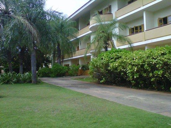 Dunes Hotel & Beach Resort:                   Zona Premium