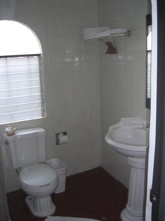Hotel Ilebal:                   Das Badezimmer