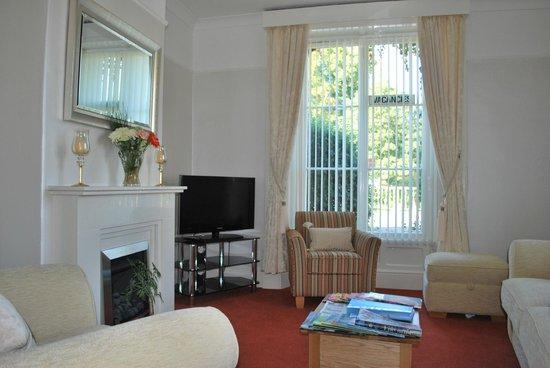 Bramblewood Cottage: Guest Lounge