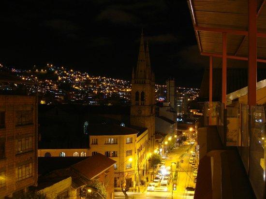 Hotel Cordillera Real :                   Terraza del Hotel