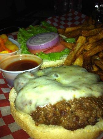 """Le Shack: HOT SPICY """"Dynomite Burger"""" $14 Mmmmm"""