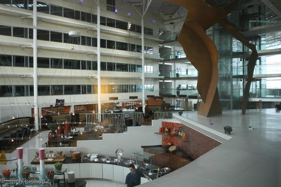 Hilton London Heathrow Airport: Atrium room view