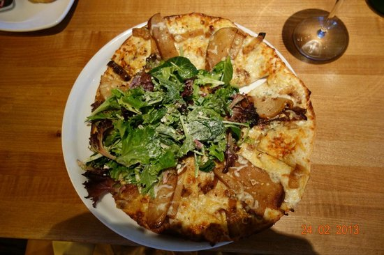 The Gorgonzola and Pear pizza Picture of California
