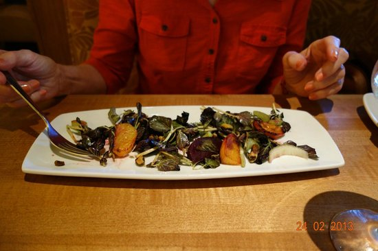 Roasted beet and goat cheese salad. - Picture of California Pizza ...