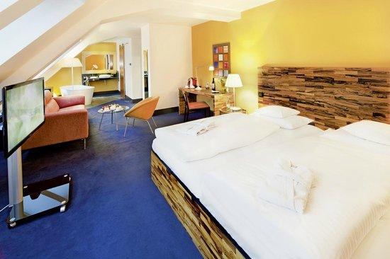 Mövenpick Hotel Berlin: Atelier Deluxe room (~ 26 m²)