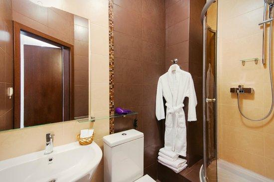 Hermes: Room/suite