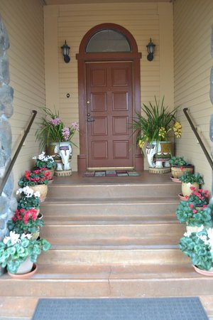 Bella Villa Messina Entry Way