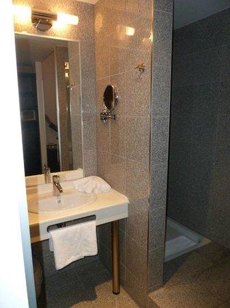 โรงแรมอีฟเบิร์คพรีเมียม:                   Ivbergs Premium Hotel Bad