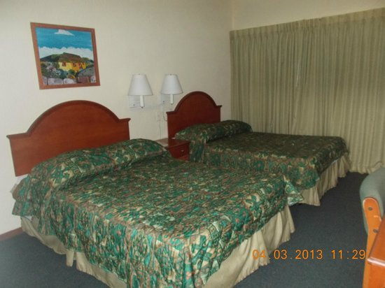 Curacao Airport Hotel :                                     The rooms