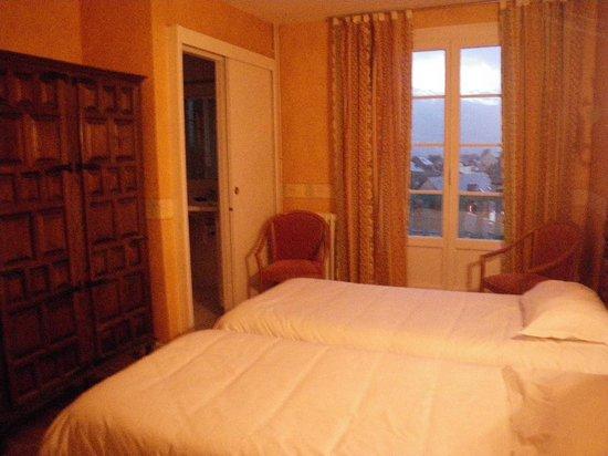 Hotel Restaurant Les Cimes : room 17