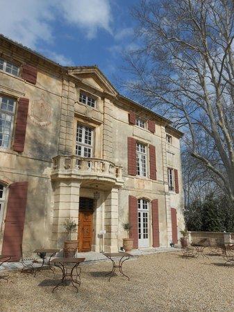 Chateau de Roussan:                   Entrada recepcion