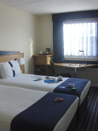 Holiday Inn Express Glasgow City Centre - Theatreland:                   My Room - 363