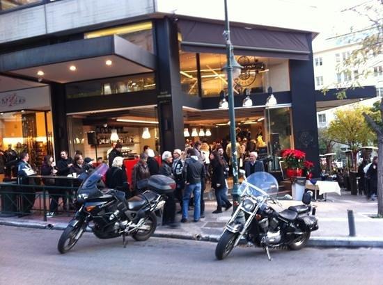Apollonion Bakery - Kolonaki:                   General view of the store